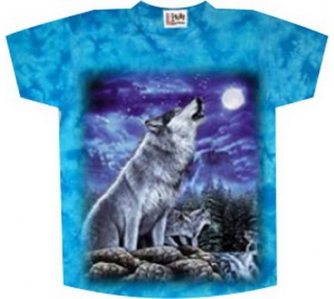 волк на футболке