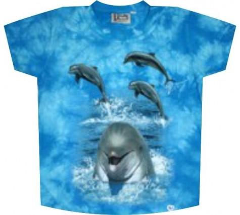 Футболка с дельфинами