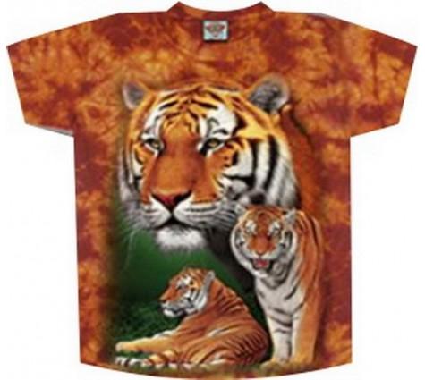 Футболка с тиграми