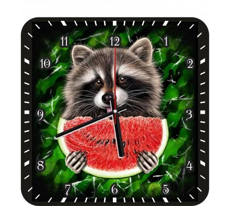Настенные часы с енотом на кухню