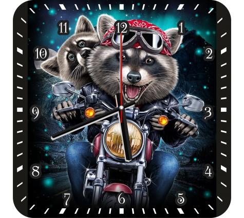 Часы Еноты на мотоцикле