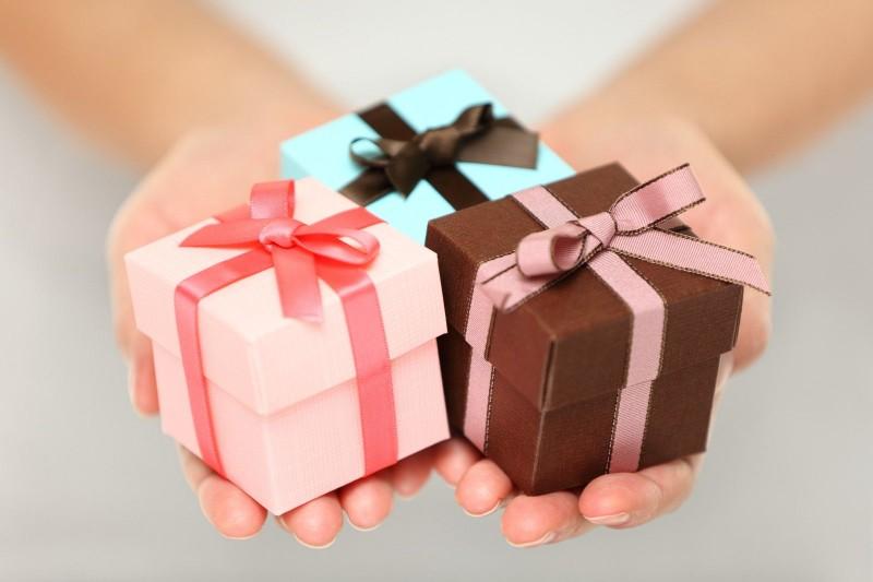 выбор подарка девушке на 17 лет